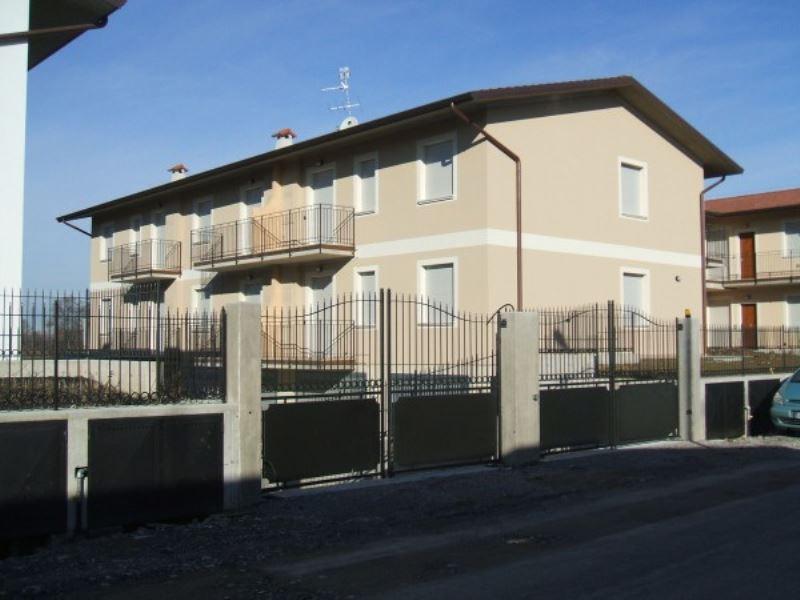 Appartamento in vendita a Vescovato, 3 locali, prezzo € 97.000 | Cambio Casa.it