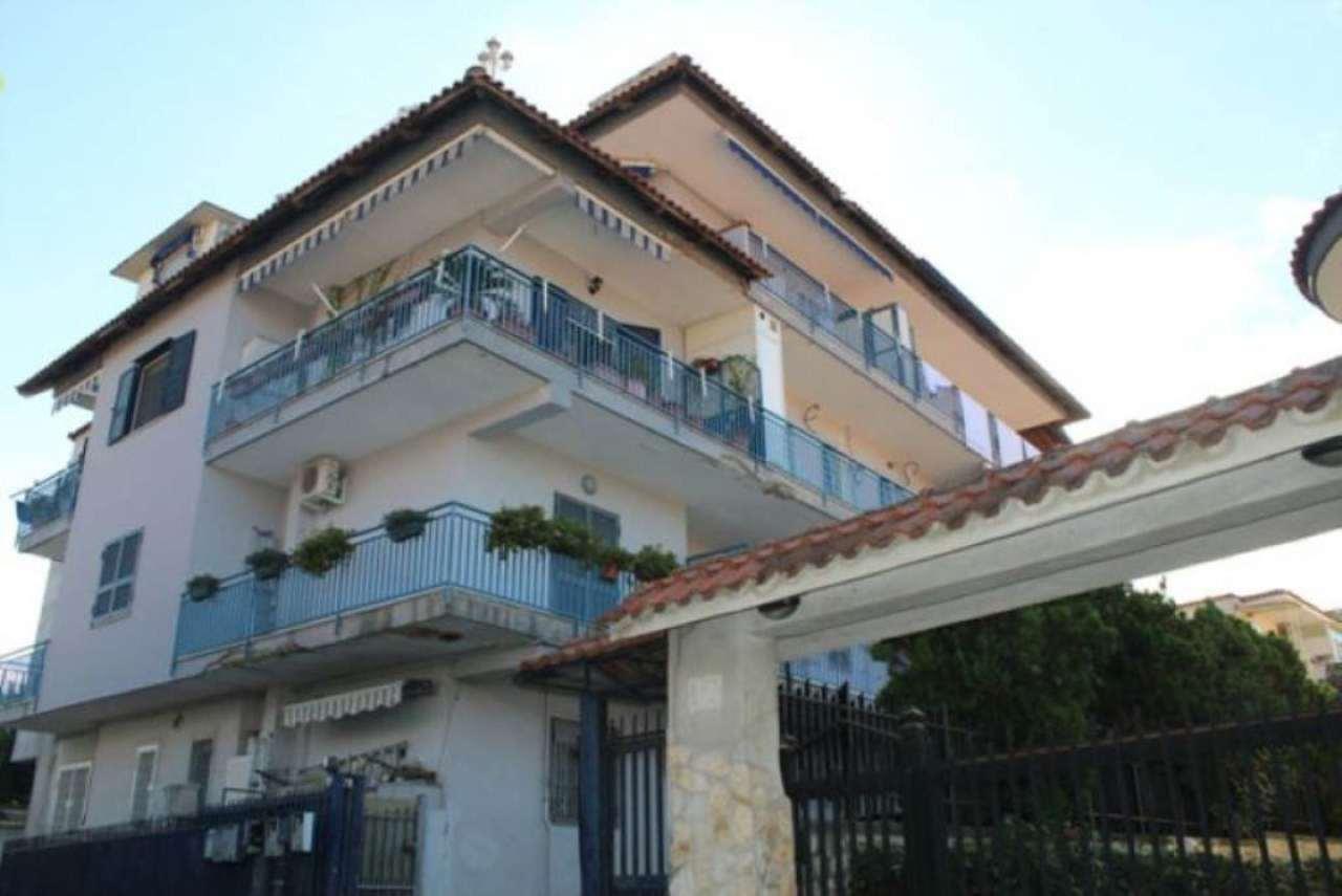 Appartamento in vendita a napoli na piscinola cerco for Case in vendita napoli