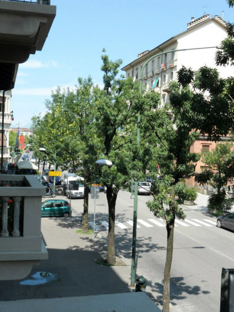 Bilocale Torino Via Ellero 10