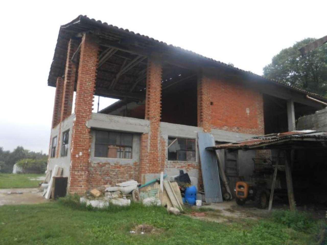 Rustico / Casale in Vendita a Montafia