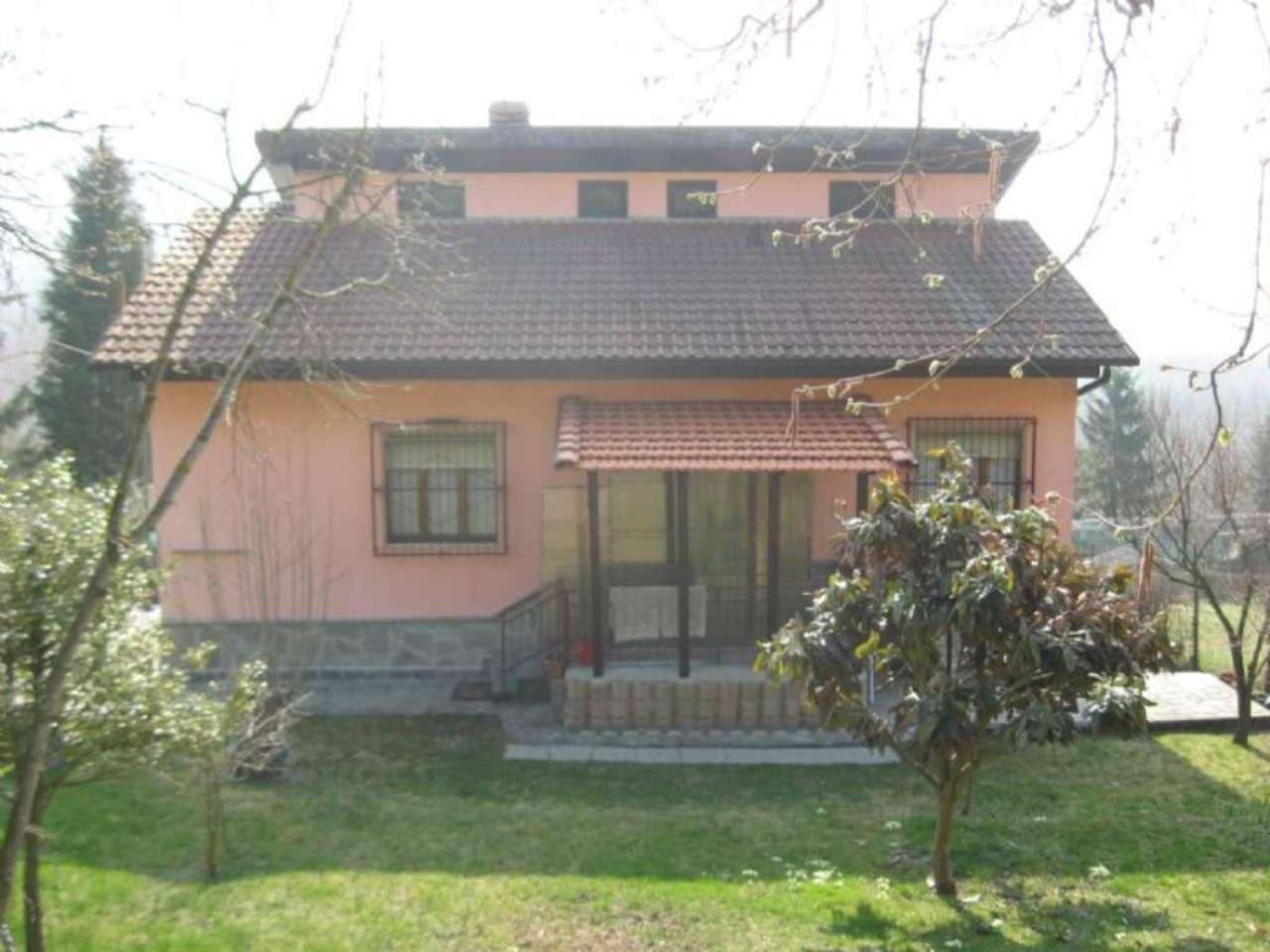 Villa in vendita a Cocconato, 15 locali, prezzo € 180.000 | CambioCasa.it