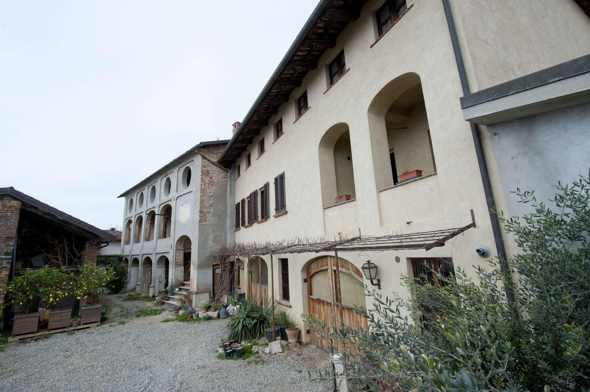 Foto 1 di Palazzo Storico via roma, Castelnuovo Don Bosco