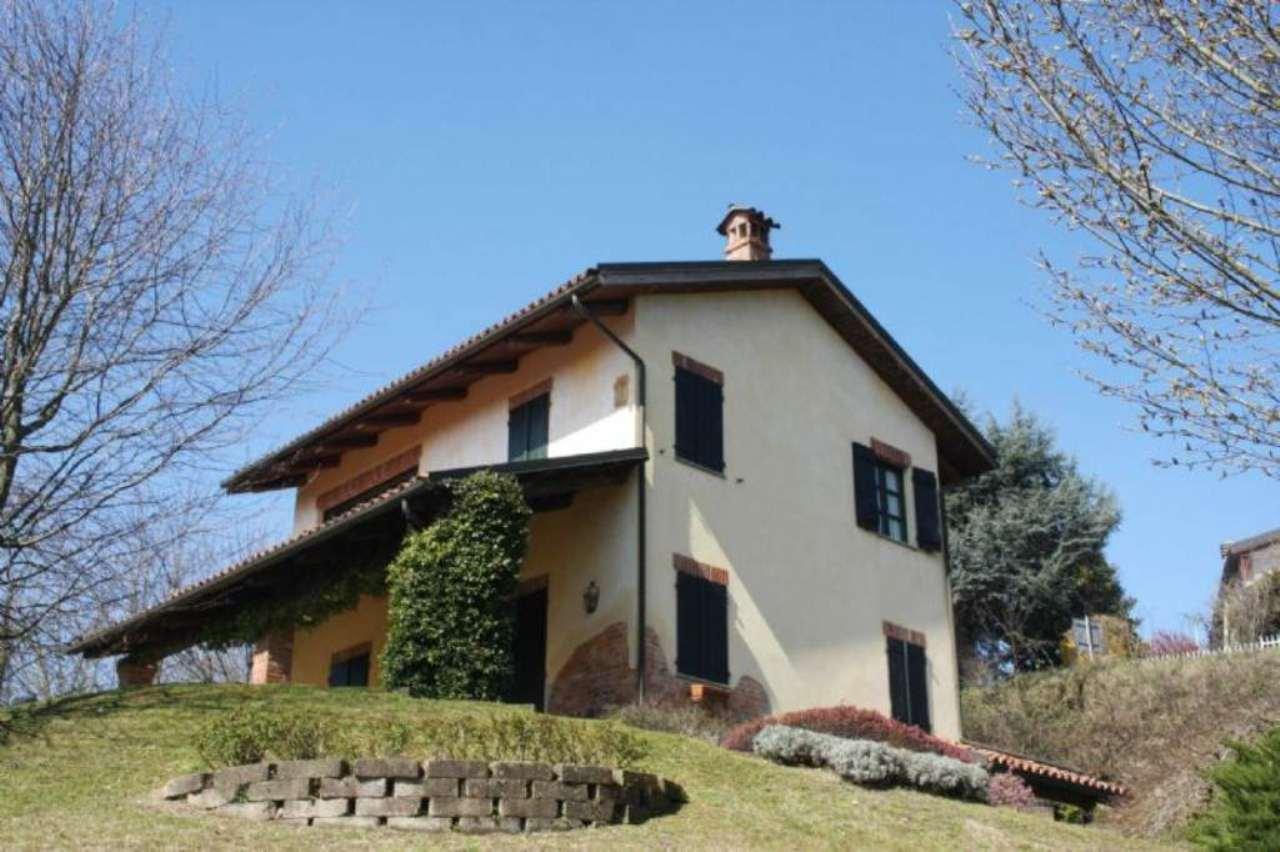 Rustico / Casale in vendita a Soglio, 10 locali, prezzo € 350.000 | Cambio Casa.it