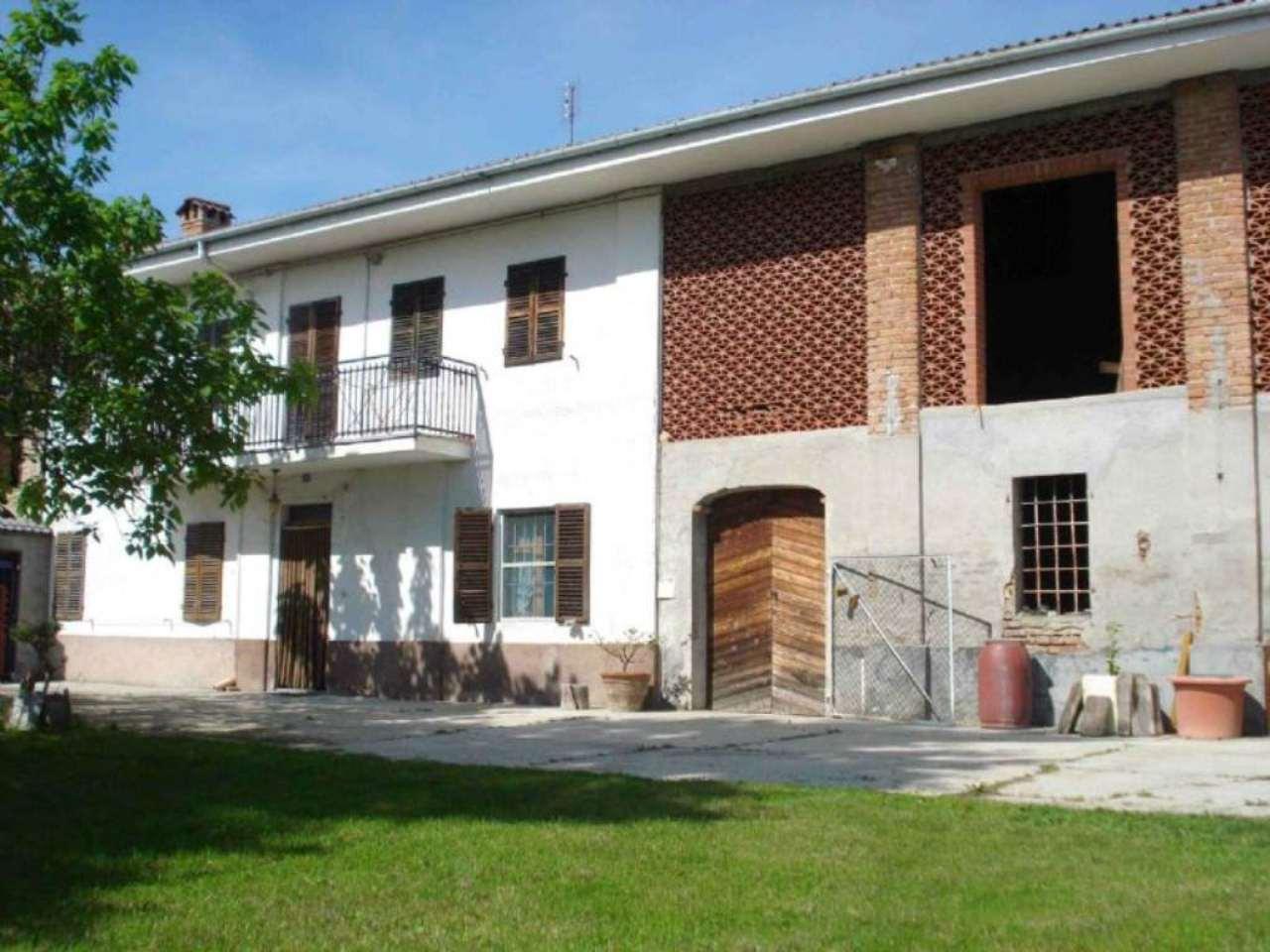 Rustico / Casale in vendita a Moncucco Torinese, 6 locali, prezzo € 350.000 | Cambio Casa.it