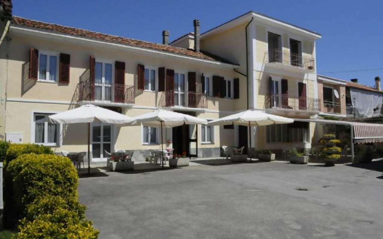 Ristorante / Pizzeria / Trattoria in vendita a Albugnano, 10 locali, prezzo € 180.000 | Cambio Casa.it