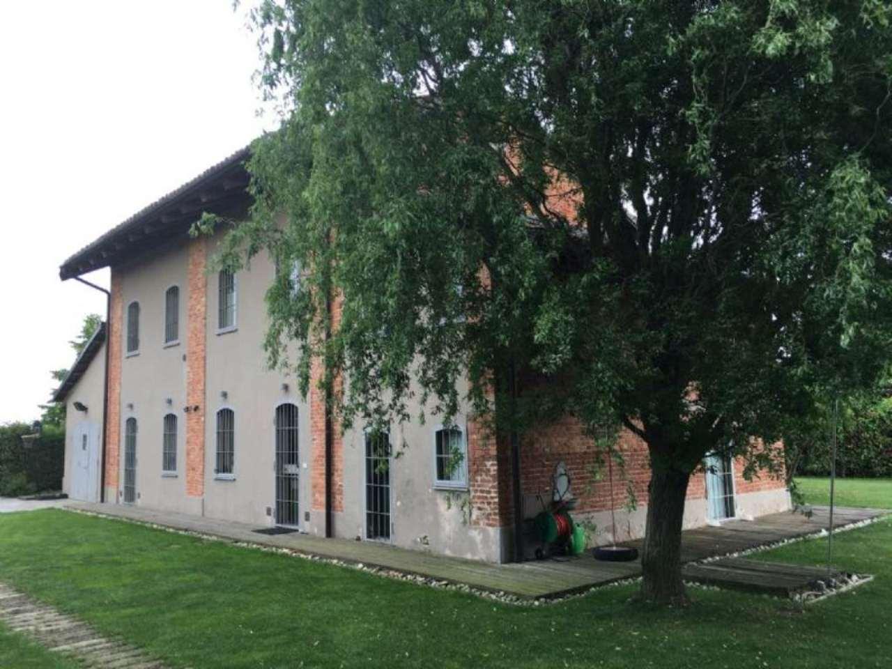 Rustico / Casale in vendita a Poirino, 9 locali, prezzo € 360.000 | Cambio Casa.it