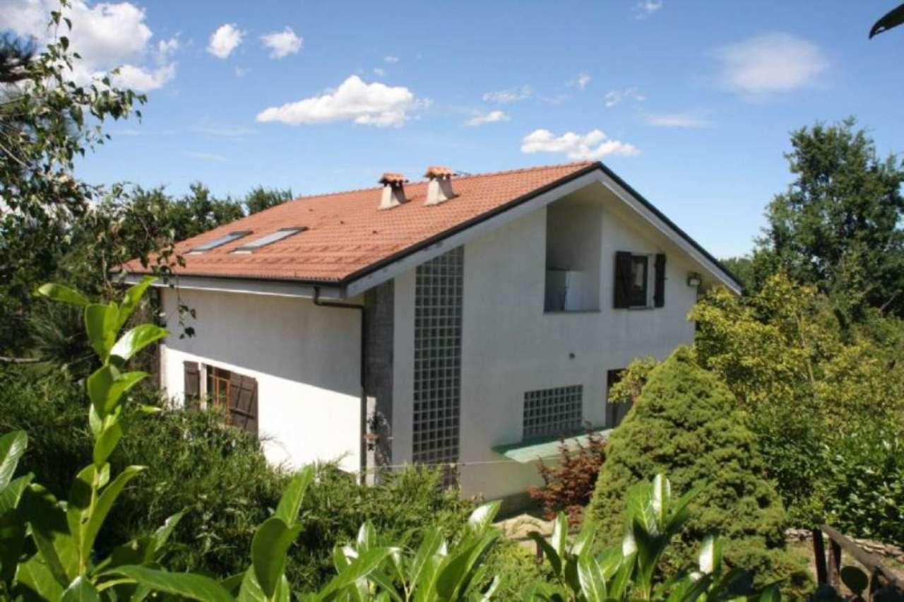 Villa in vendita a Ferrere, 10 locali, prezzo € 230.000 | Cambio Casa.it
