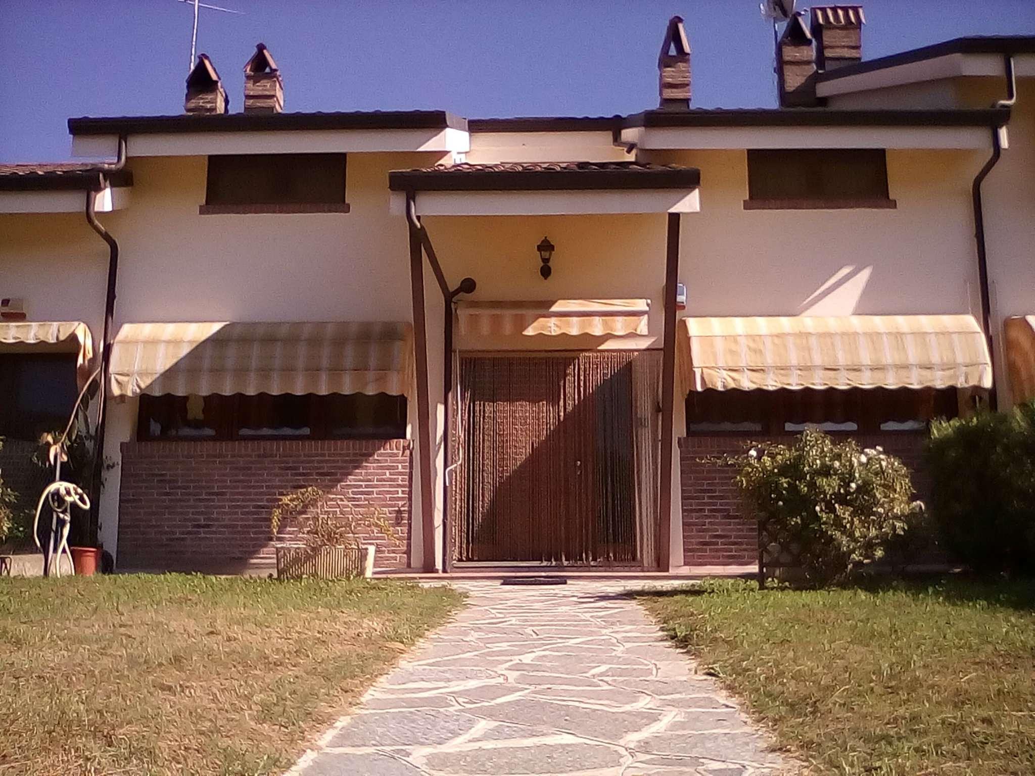 Casa zona castelnuovo don bosco in vendita waa2 for Casa di 700 metri quadrati in vendita