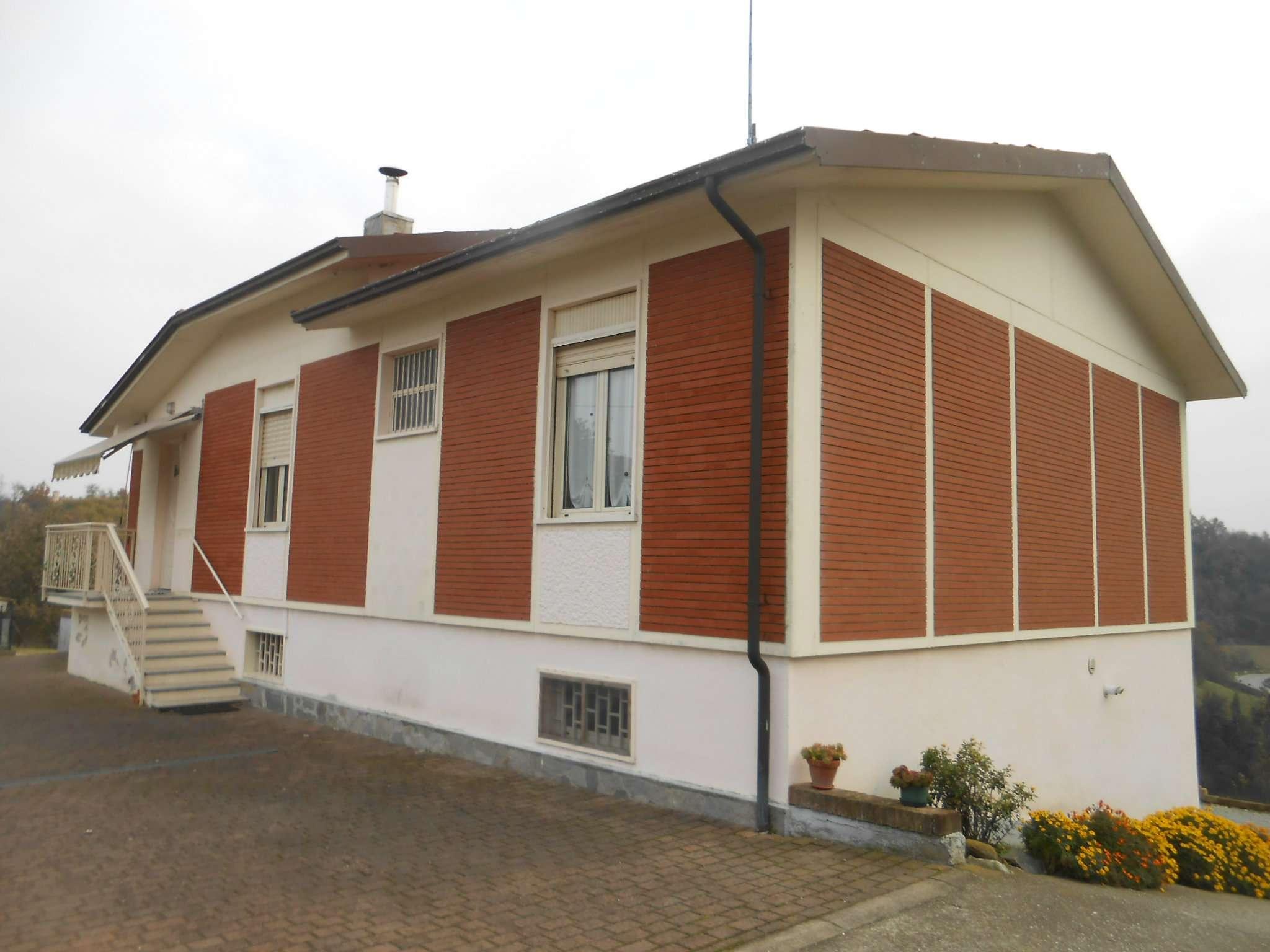 Villa in vendita a Cortanze, 10 locali, prezzo € 270.000 | CambioCasa.it
