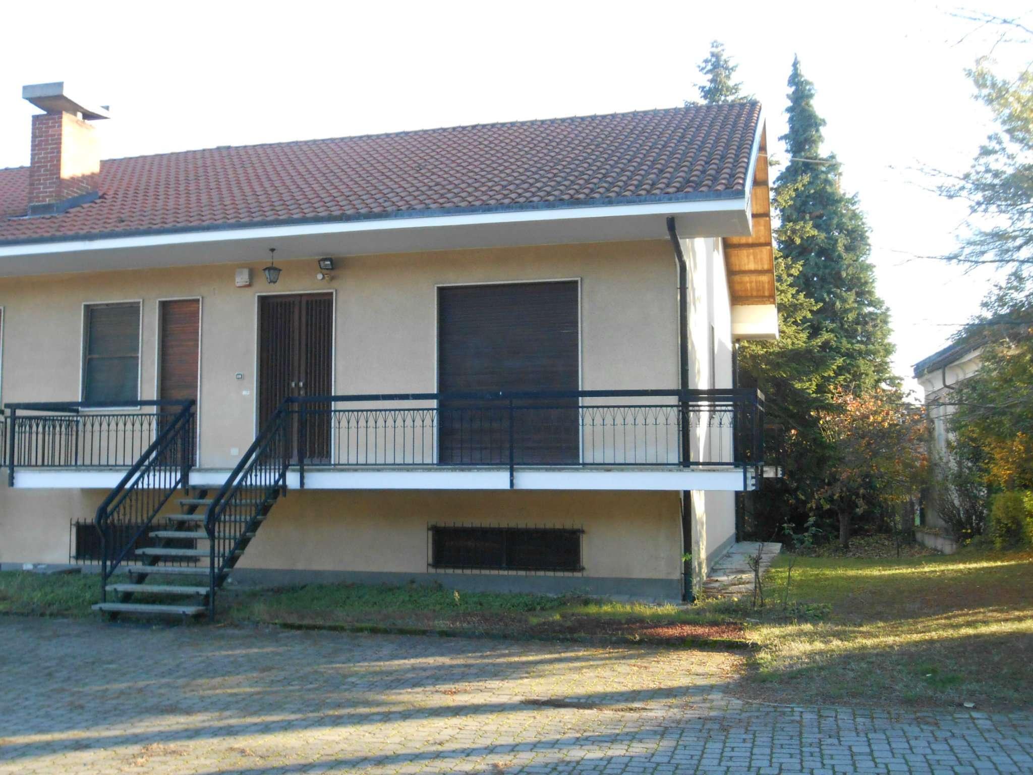 Villa in vendita a Montiglio Monferrato, 7 locali, prezzo € 100.000 | CambioCasa.it