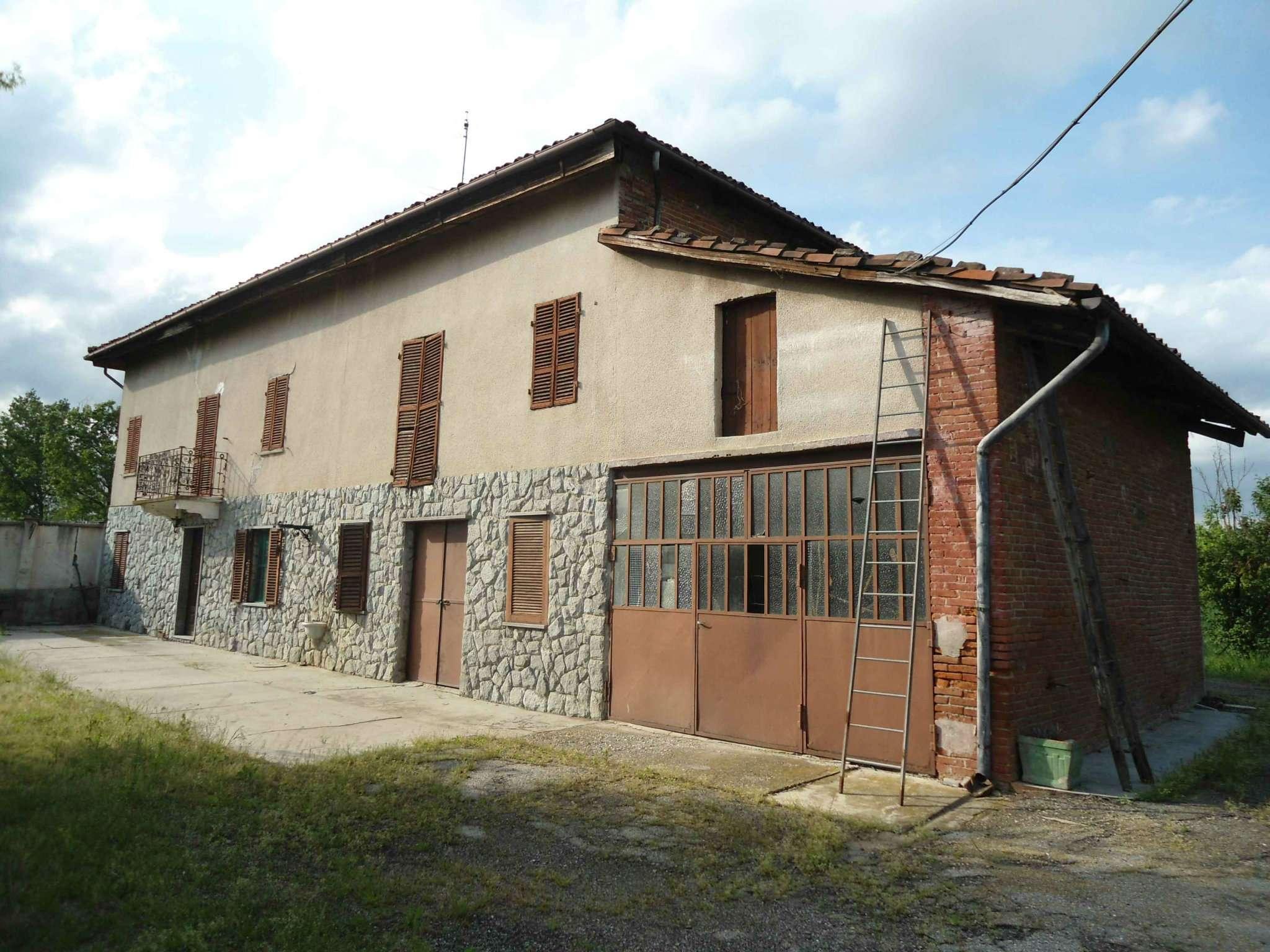 Rustico / Casale in vendita a San Paolo Solbrito, 8 locali, prezzo € 120.000 | Cambio Casa.it