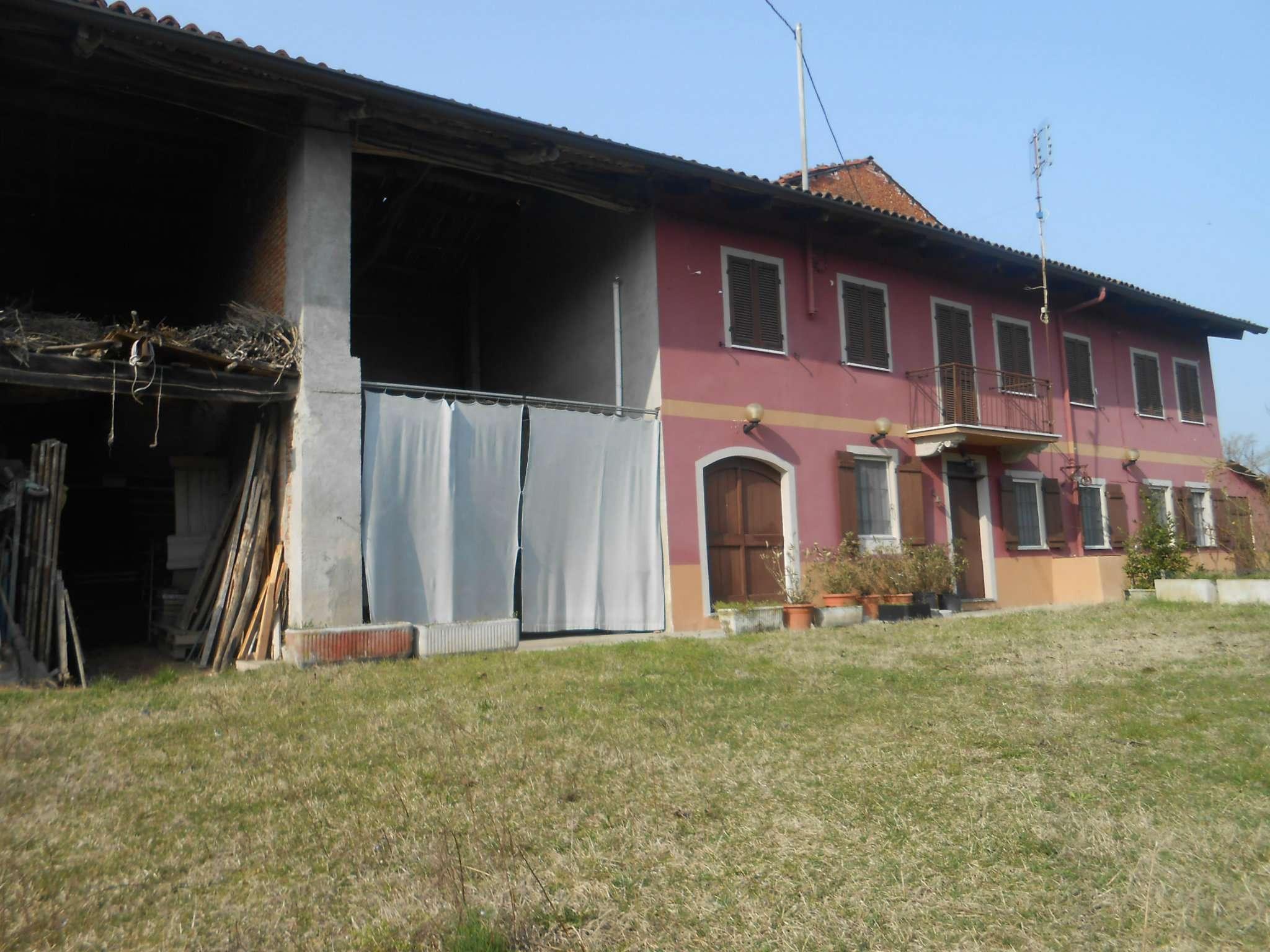 Rustico / Casale in vendita a Castelnuovo Don Bosco, 10 locali, prezzo € 132.000   CambioCasa.it