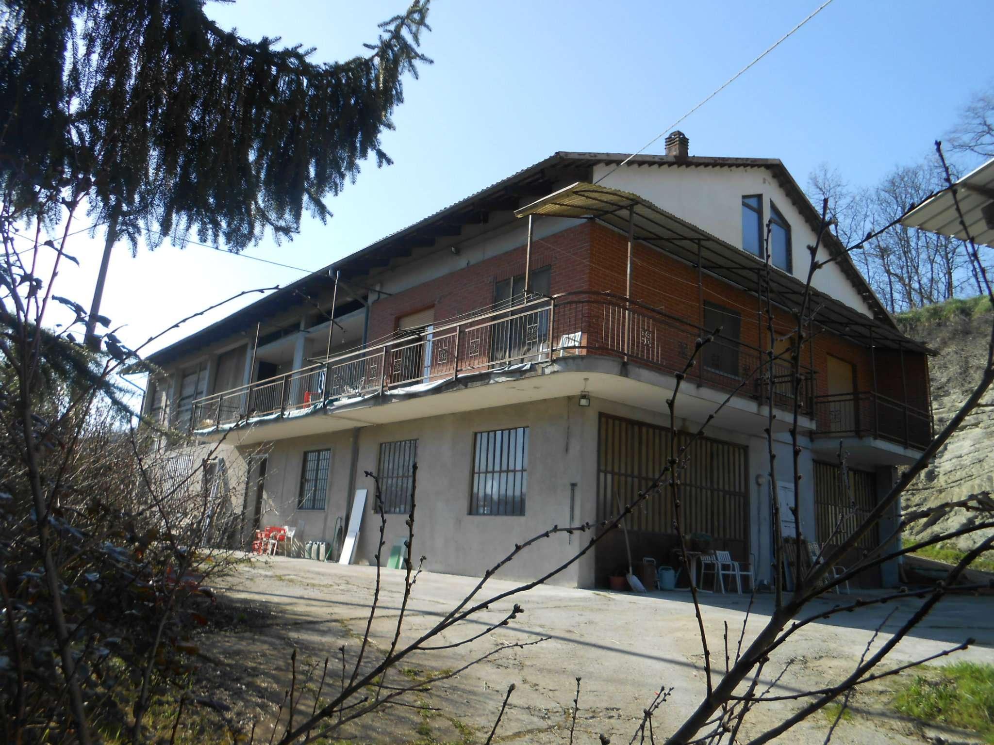 Rustico / Casale in vendita a Aramengo, 15 locali, prezzo € 259.000 | CambioCasa.it