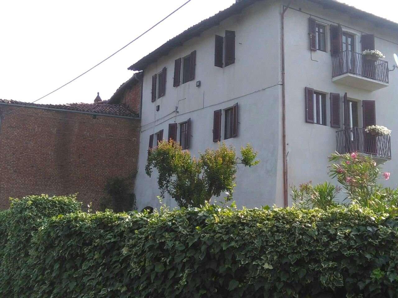 Palazzo / Stabile in vendita a Viale, 14 locali, prezzo € 199.000 | CambioCasa.it