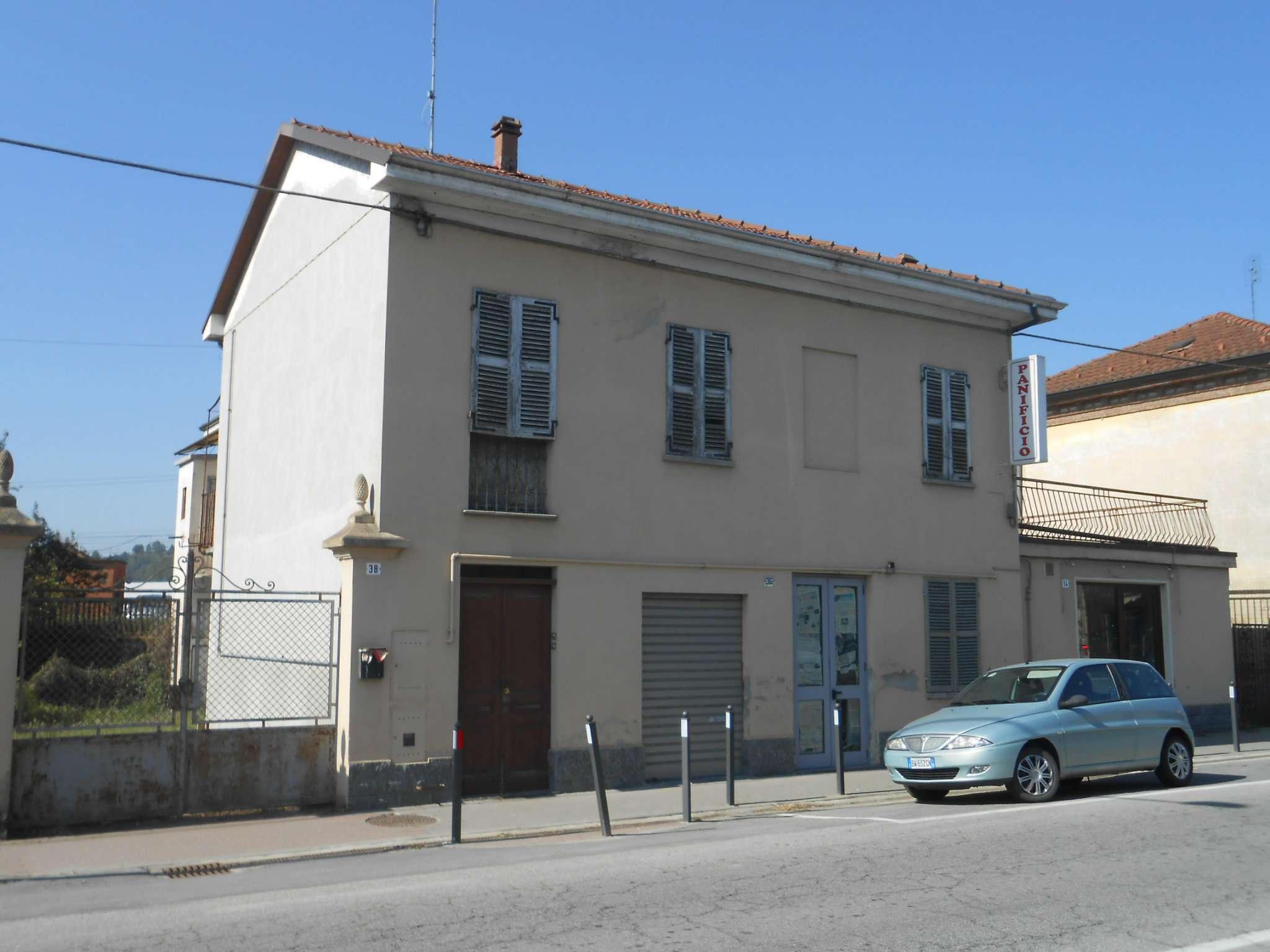 Palazzo / Stabile in Vendita a Villafranca d'Asti