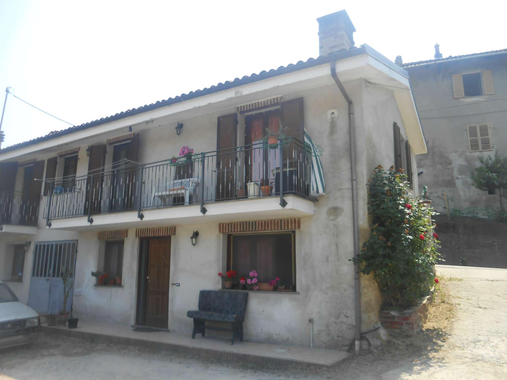 Soluzione Indipendente in vendita a Arignano, 10 locali, prezzo € 190.000   CambioCasa.it