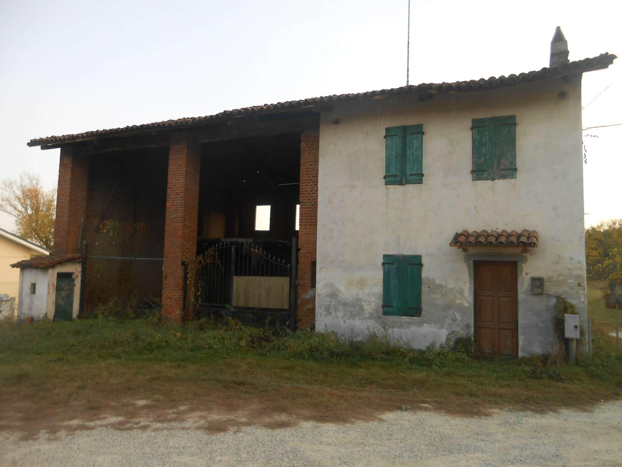 Rustico / Casale in vendita a Chieri, 6 locali, prezzo € 115.000 | CambioCasa.it