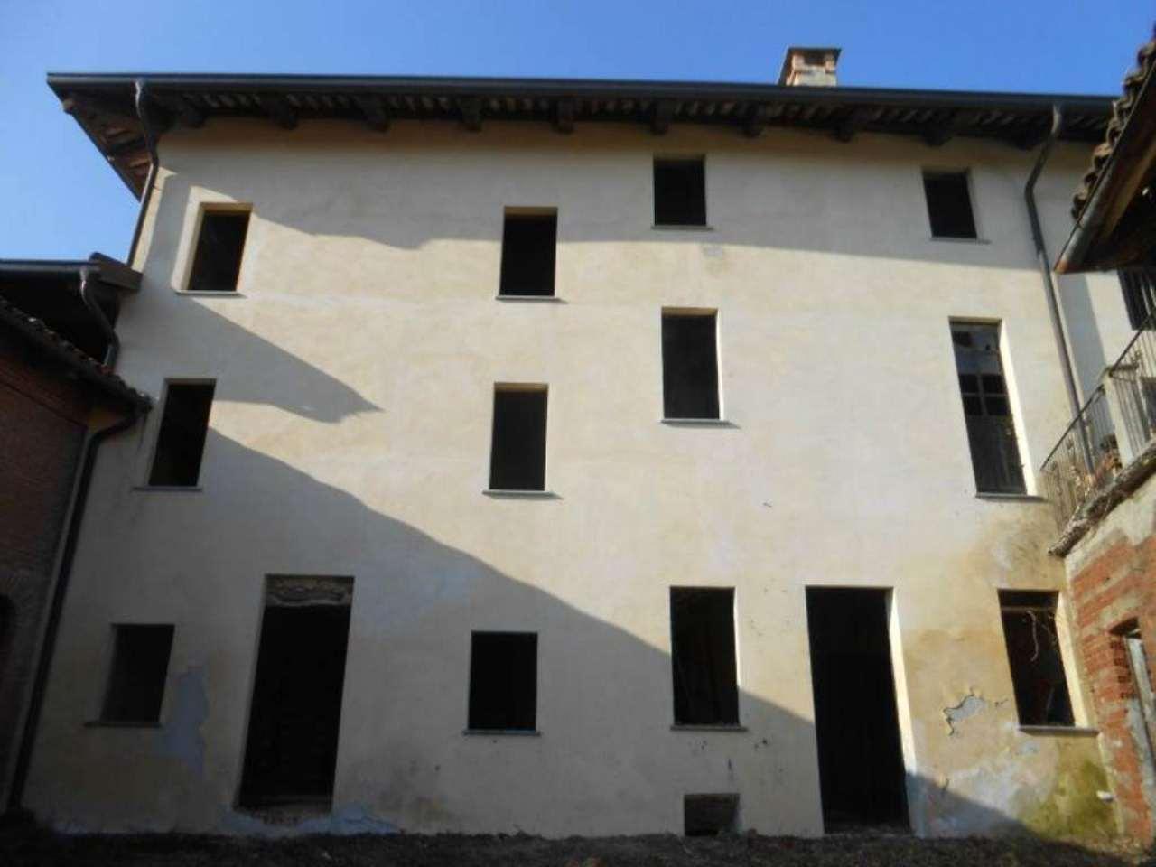 Soluzione Indipendente in vendita a Piovà Massaia, 18 locali, prezzo € 175.000 | Cambio Casa.it