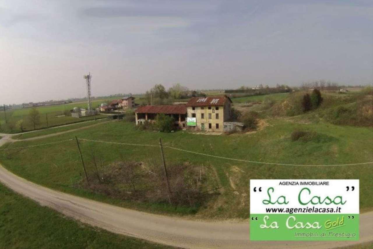 Rustico / Casale in Vendita a Villanova d'Asti
