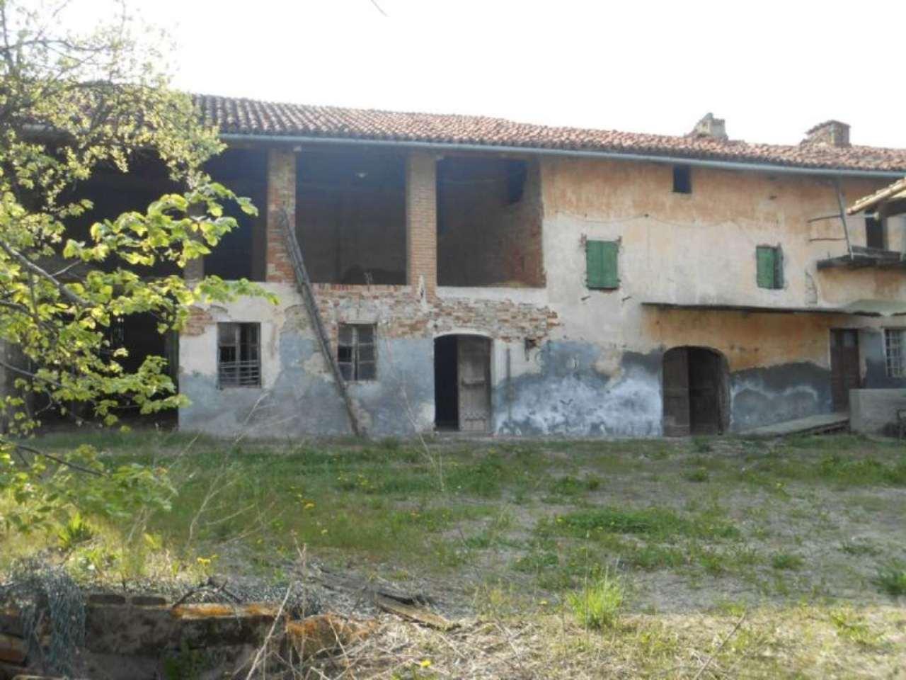 Rustico / Casale in vendita a Moncucco Torinese, 6 locali, prezzo € 95.000 | Cambio Casa.it