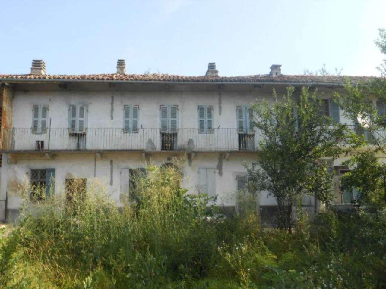 Rustico / Casale in vendita a Montiglio Monferrato, 13 locali, prezzo € 43.000 | CambioCasa.it