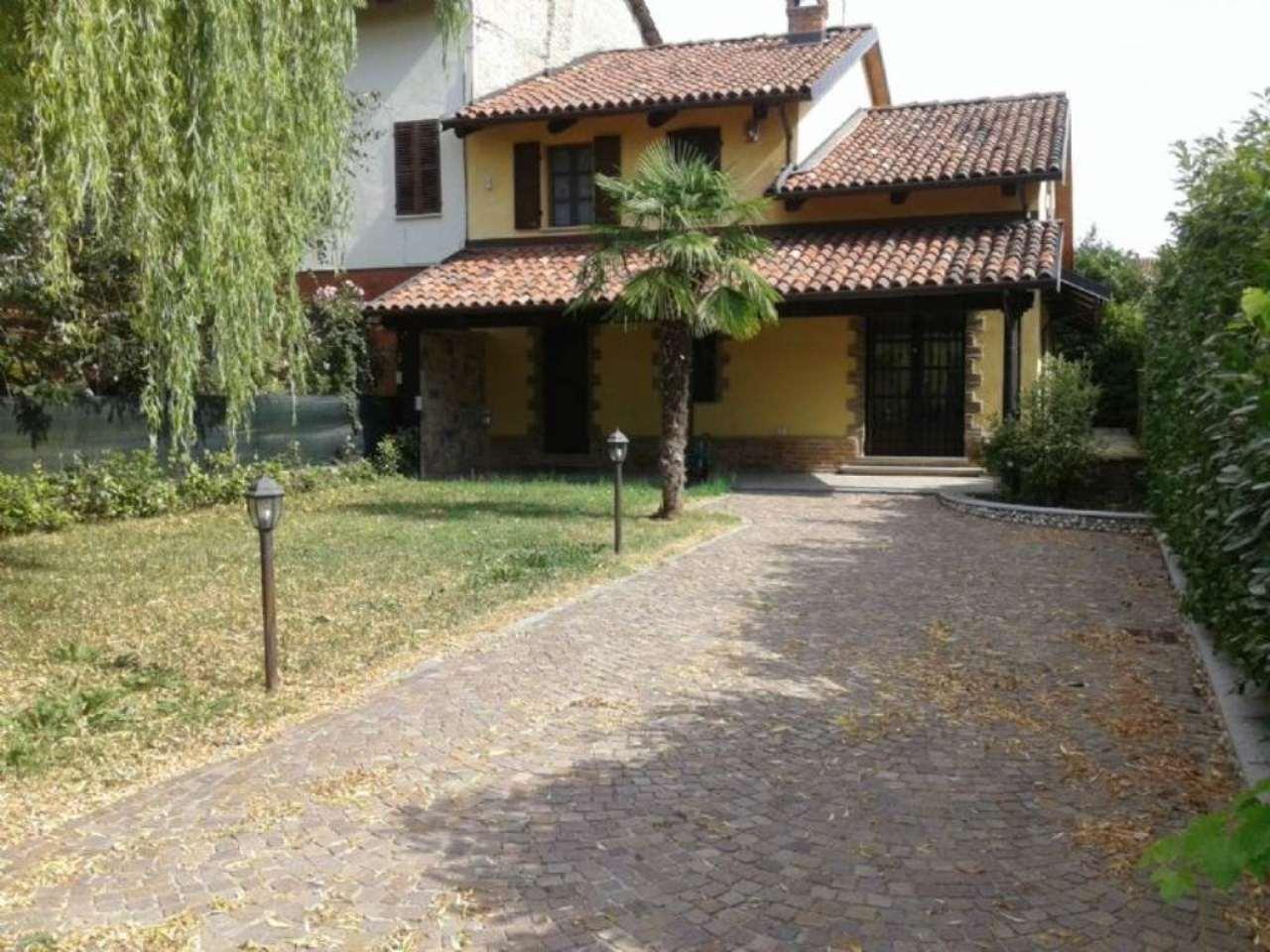 Soluzione Indipendente in vendita a Villanova d'Asti, 10 locali, prezzo € 225.000 | Cambio Casa.it