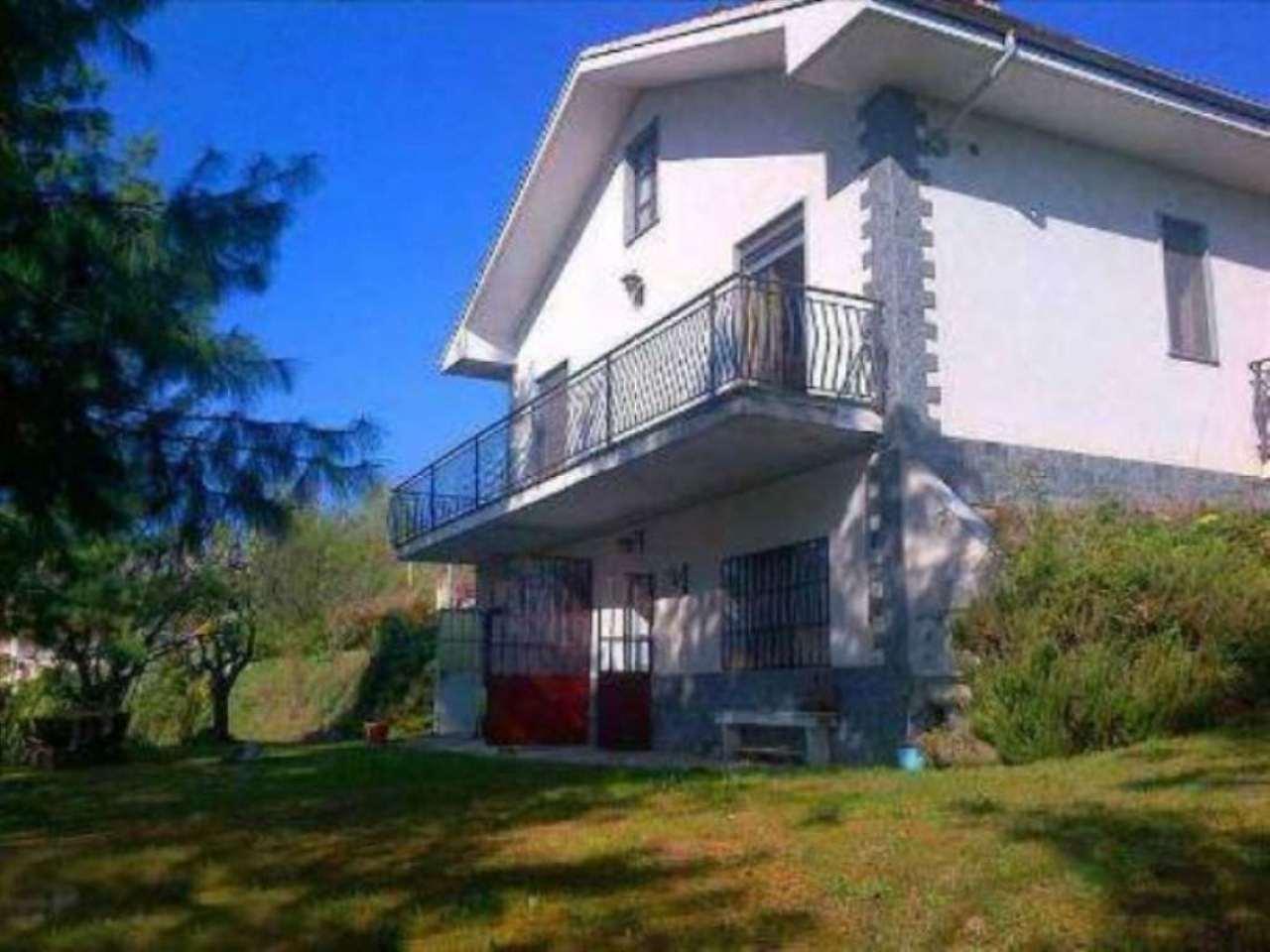 Villa in vendita a San Damiano d'Asti, 6 locali, prezzo € 125.000 | Cambio Casa.it