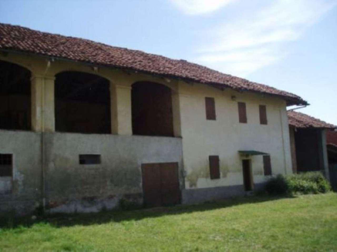 Rustico / Casale in vendita a Isolabella, 6 locali, prezzo € 64.000 | Cambio Casa.it