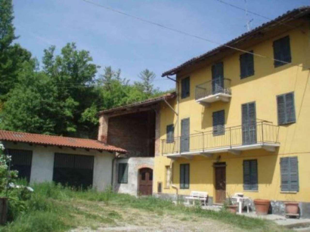 Rustico / Casale in vendita a Passerano Marmorito, 6 locali, prezzo € 200.000 | Cambio Casa.it