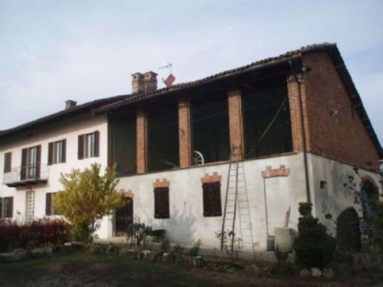 Rustico / Casale in vendita a Passerano Marmorito, 6 locali, prezzo € 390.000 | Cambio Casa.it