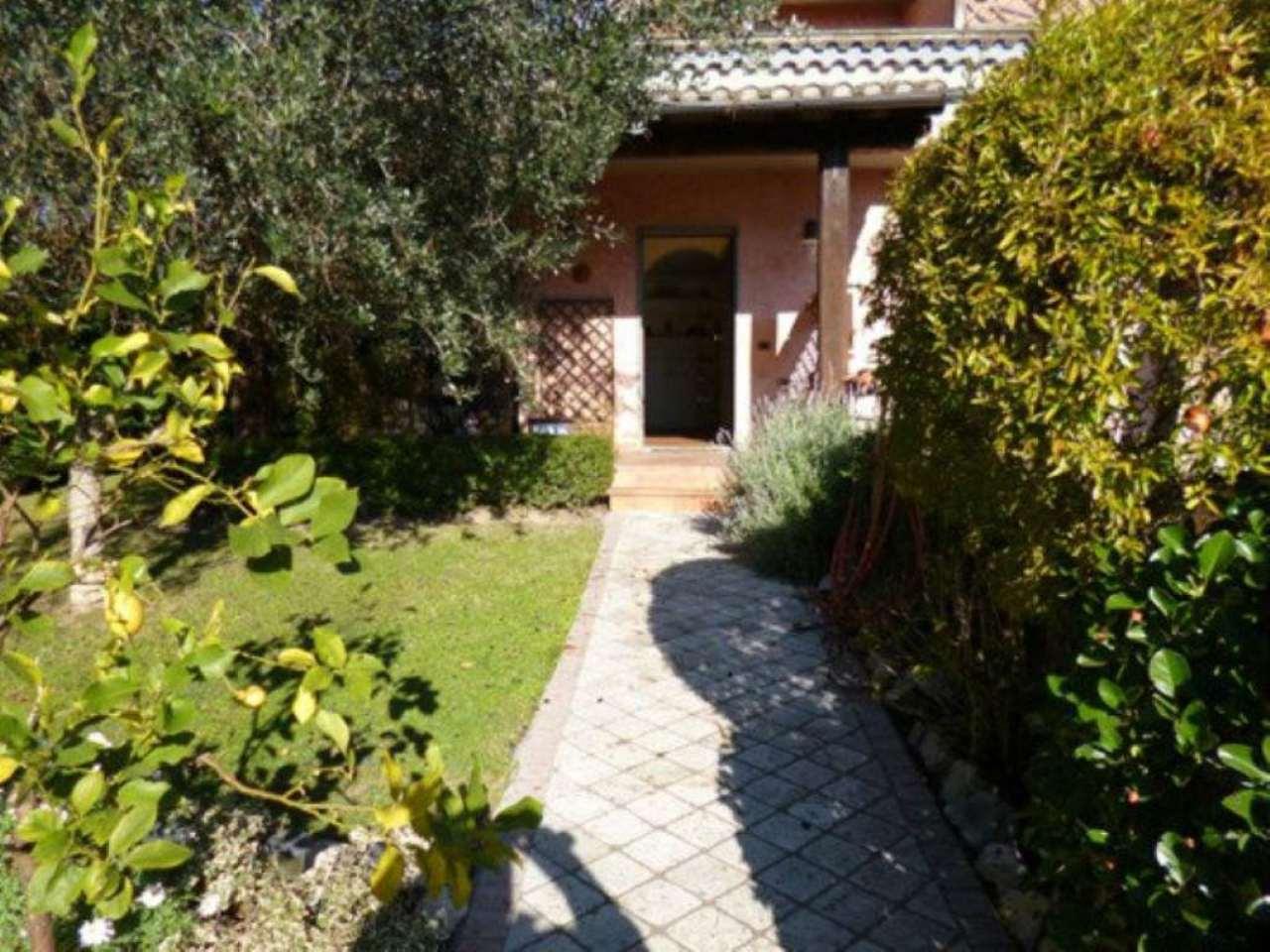 Villa Bifamiliare in vendita a Campagnano di Roma, 7 locali, prezzo € 410.000   Cambio Casa.it