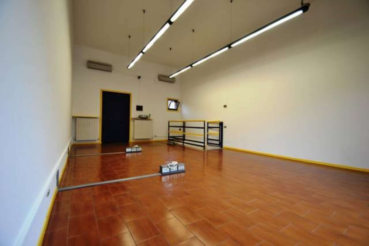 Negozio / Locale in vendita a Arese, 2 locali, prezzo € 85.000 | CambioCasa.it