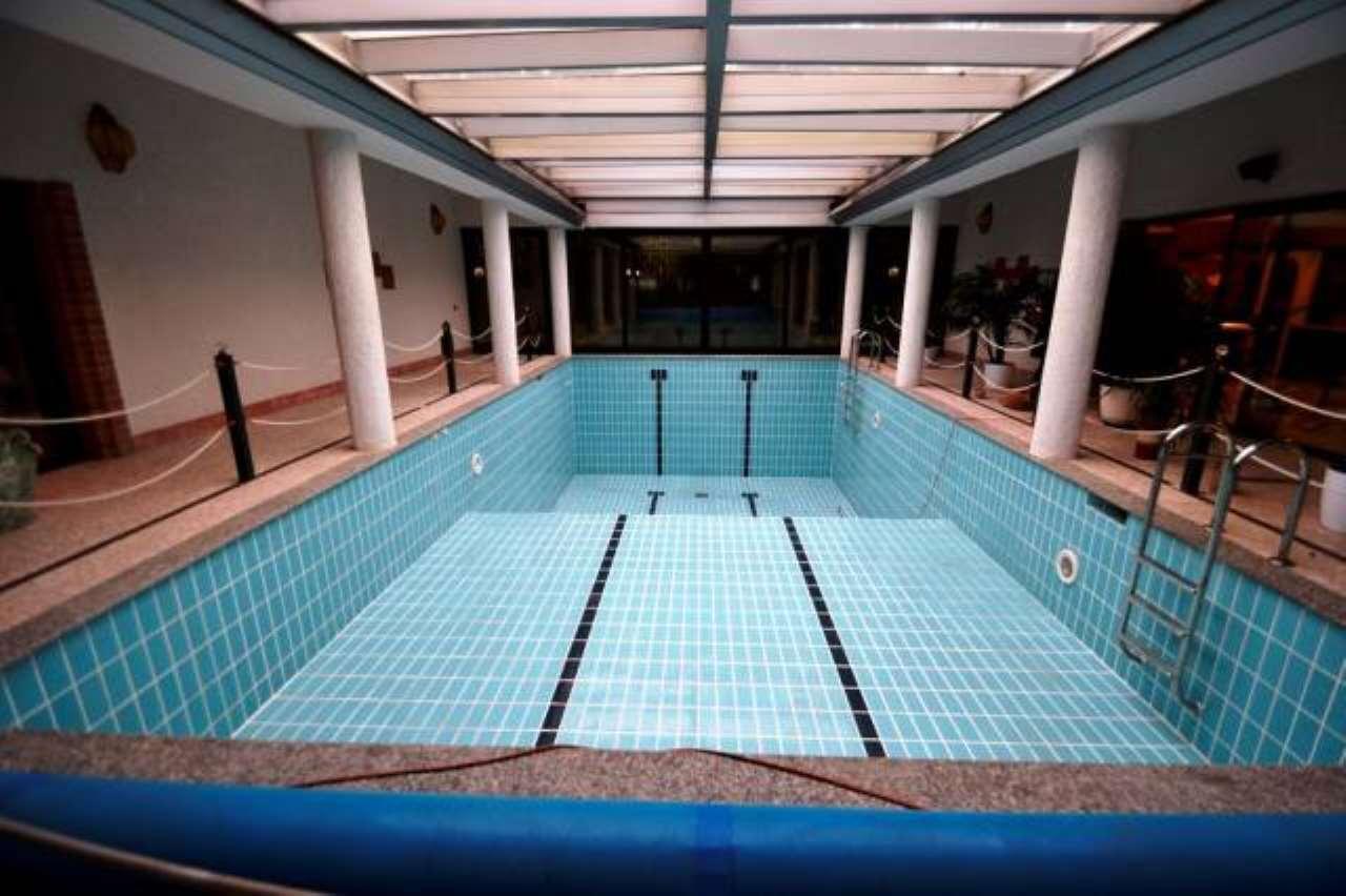 Villa in vendita a Senago, 6 locali, prezzo € 1.450.000   Cambio Casa.it