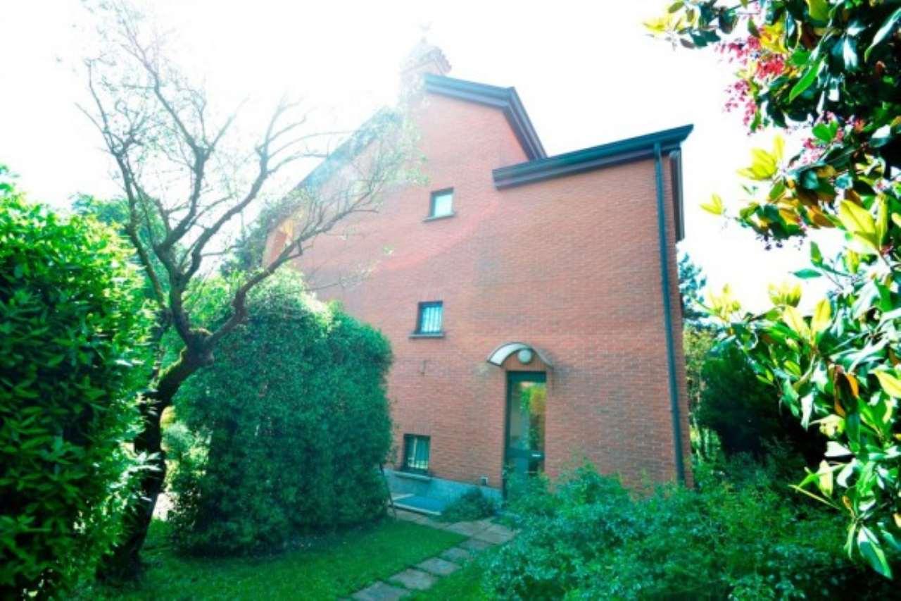 Villa in vendita a Arese, 6 locali, prezzo € 690.000 | Cambio Casa.it