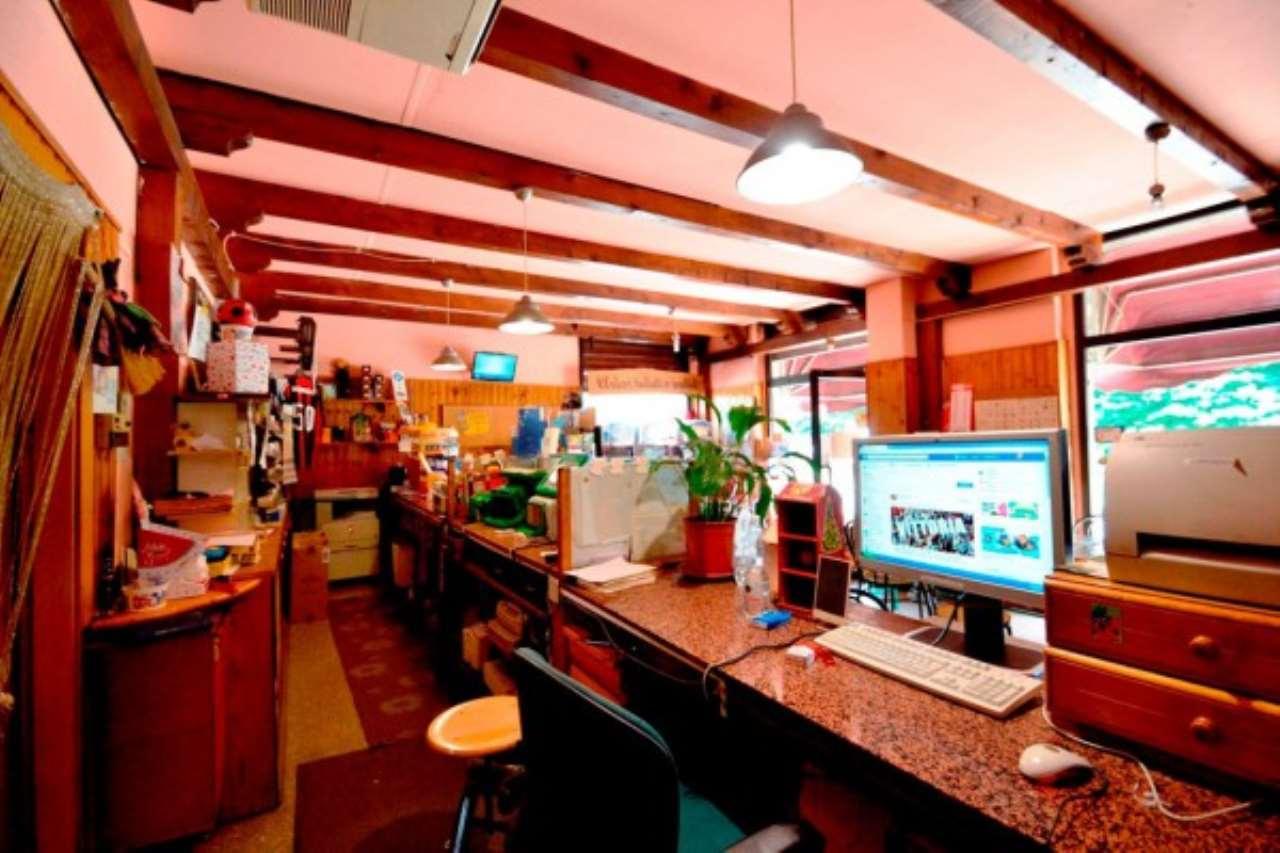 Bar in vendita a Baranzate, 2 locali, prezzo € 169.000 | Cambio Casa.it