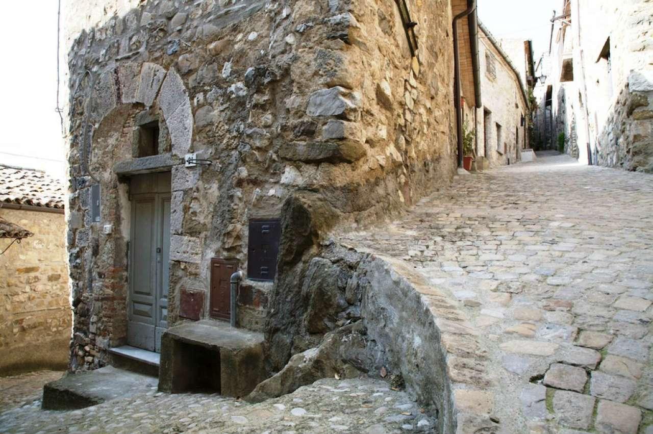 Appartamento in vendita a Baschi, 3 locali, prezzo € 145.000 | CambioCasa.it
