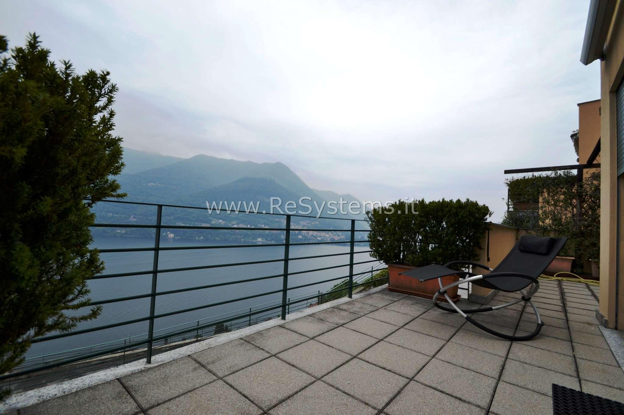 Villa in vendita a Carate Urio, 5 locali, prezzo € 750.000 | CambioCasa.it