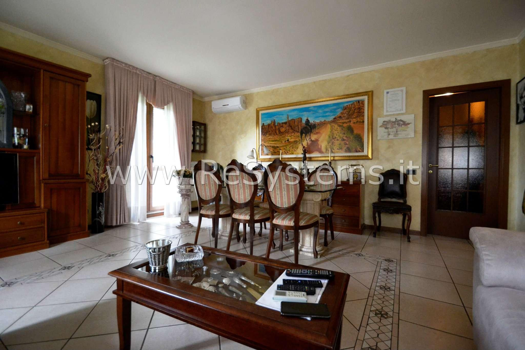 Appartamento in vendita 4 vani 110 mq.  via vittorio de sica 12 Milano