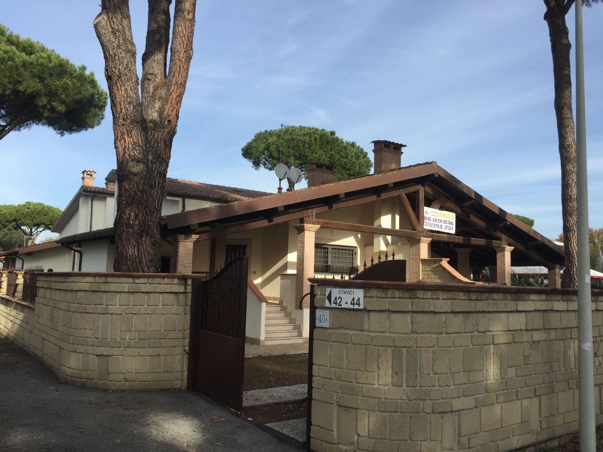 Villa Quadrifamiliare in vendita 5 vani 180 mq.  via villabassa Roma