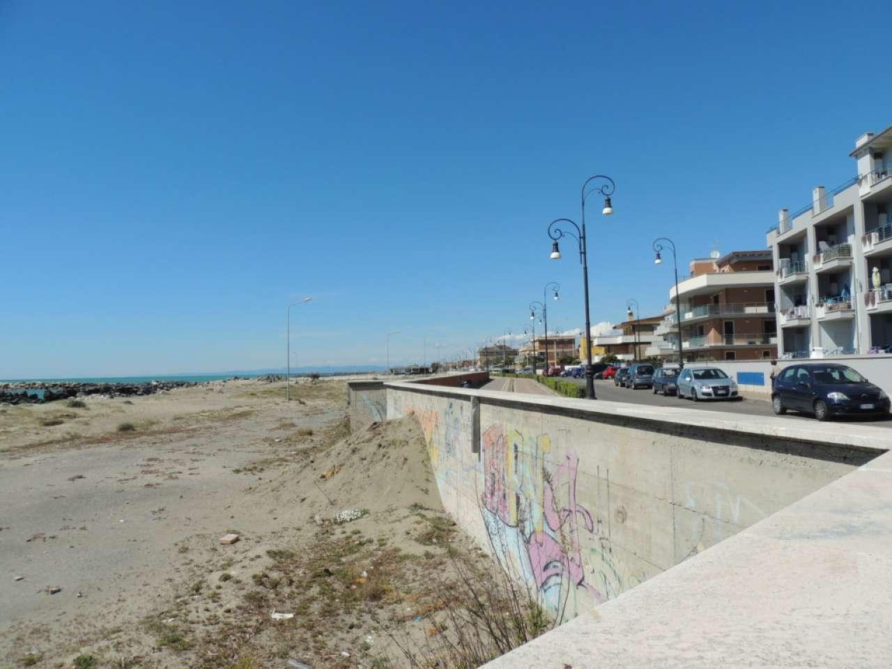 Appartamento in affitto a Fiumicino, 2 locali, prezzo € 700   Cambio Casa.it