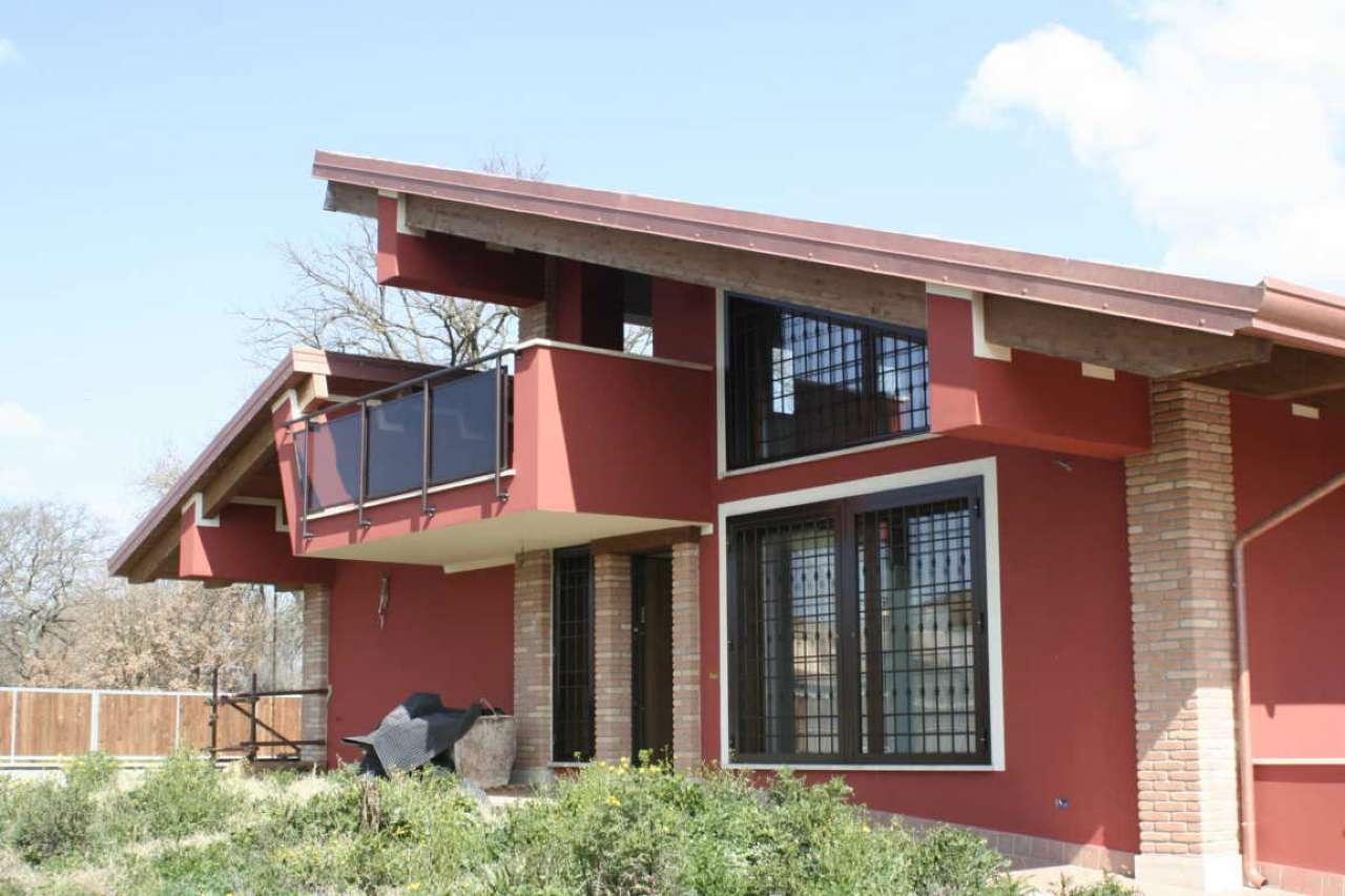 Villa in vendita a Fiano Romano, 7 locali, prezzo € 450.000   CambioCasa.it