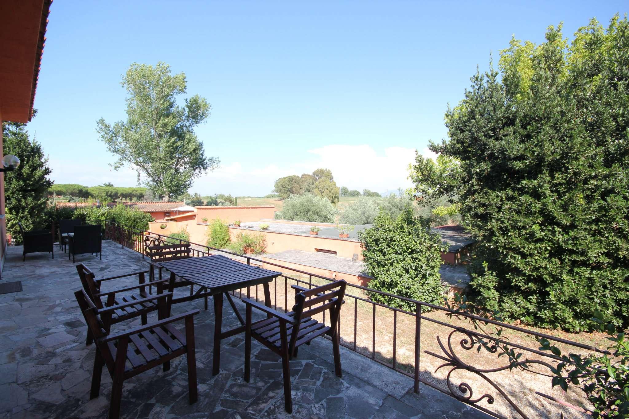 Villa in affitto a Roma, 7 locali, zona Zona: 18 . Ardeatino - Grotta Perfetta - Fonte Meravigliosa, prezzo € 3.000 | CambioCasa.it