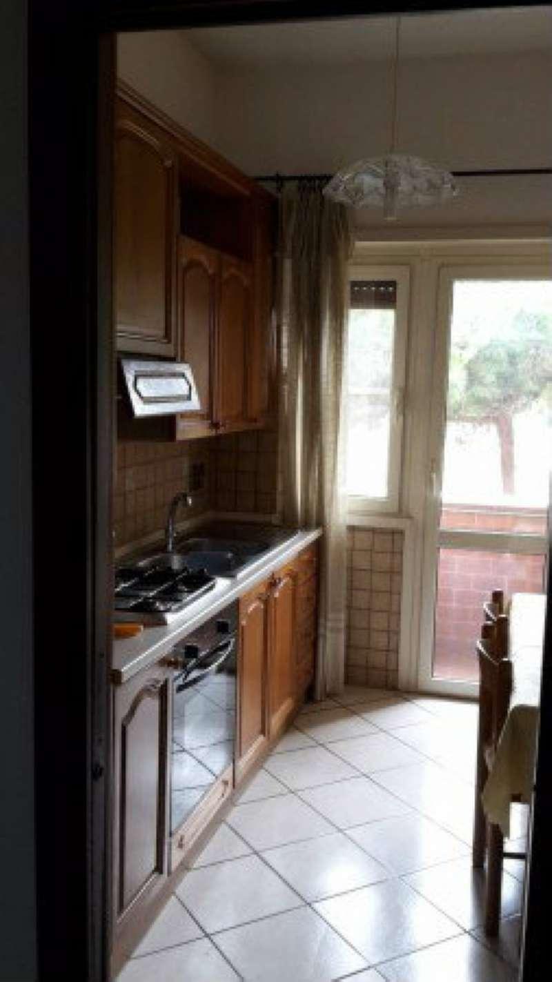 Appartamento in vendita 4 vani 125 mq.  via  DEI ROMAGNOLI Roma