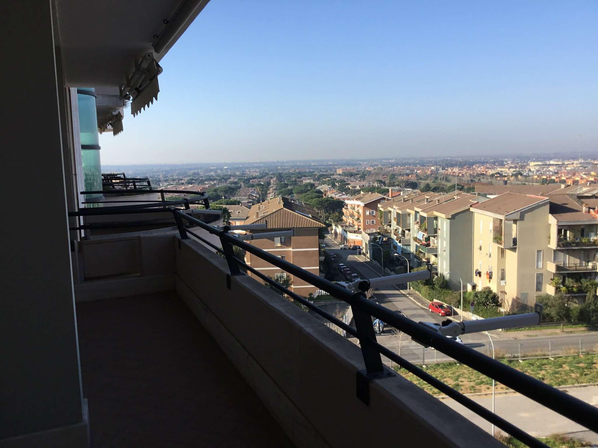Appartamento in vendita 4 vani 120 mq.  piazza Eschilo Roma