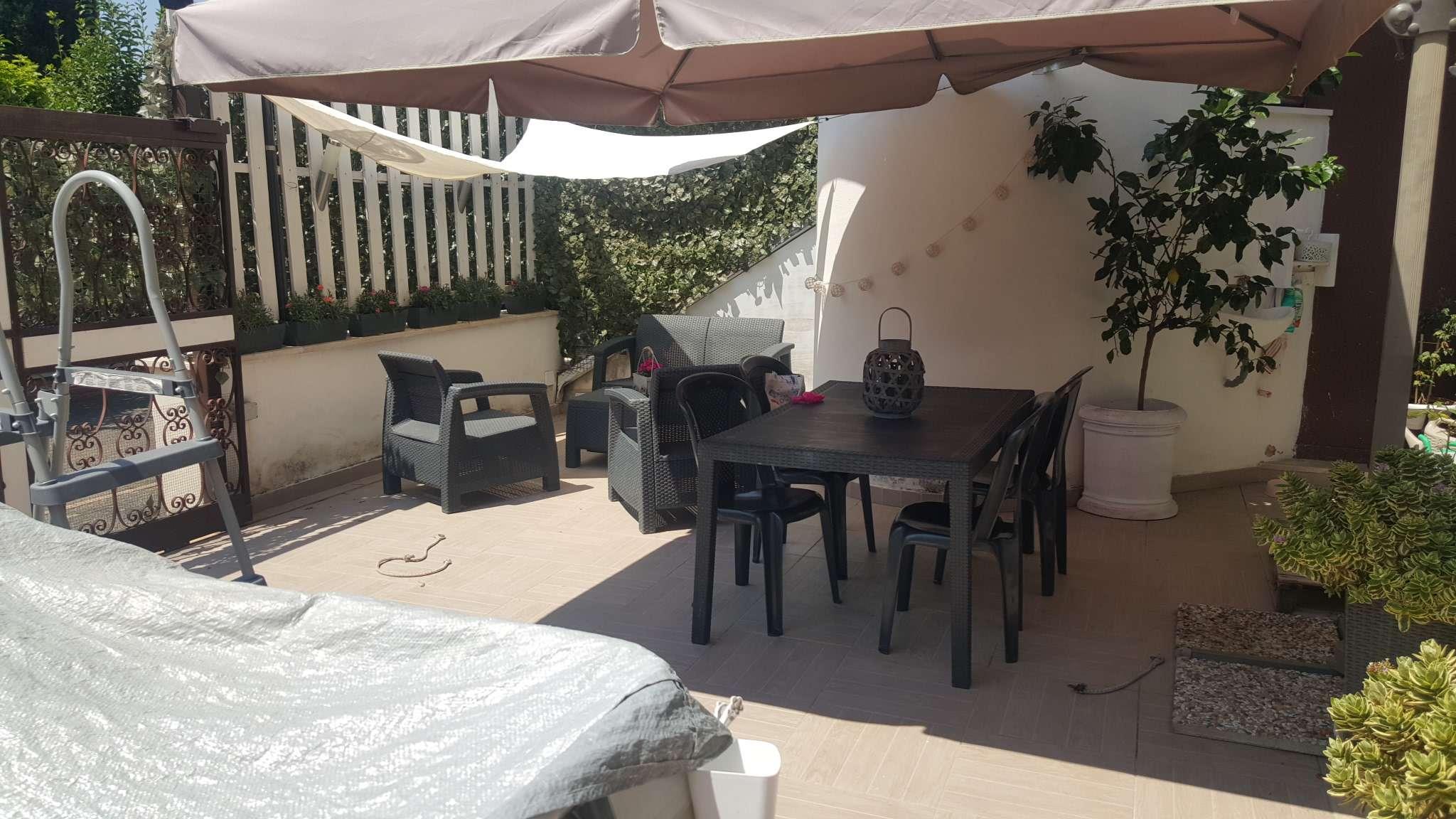 Appartamento in vendita 3 vani 90 mq.  via Aristofane Roma