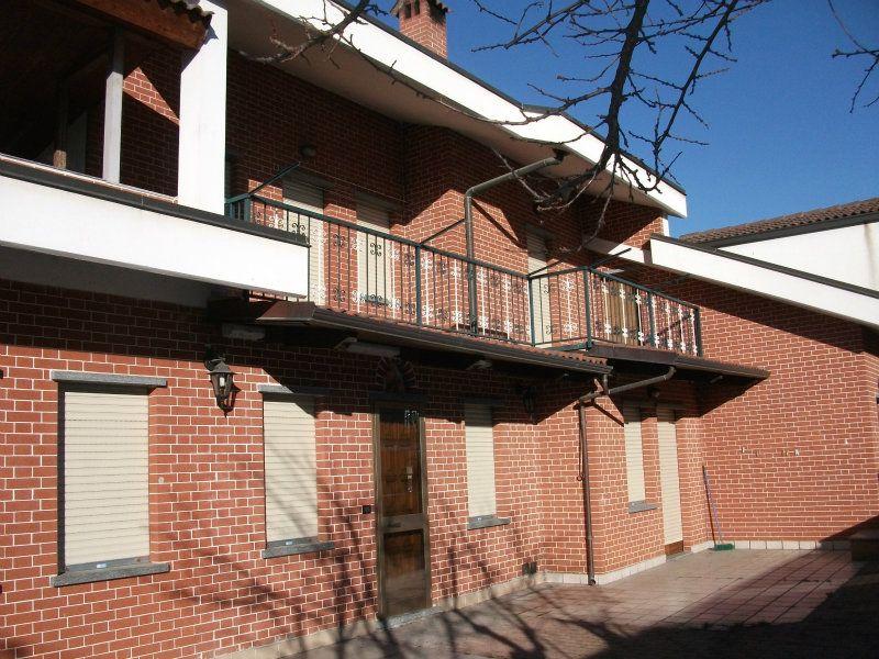 Villa Bifamiliare in vendita a Nichelino, 12 locali, prezzo € 620.000 | Cambiocasa.it
