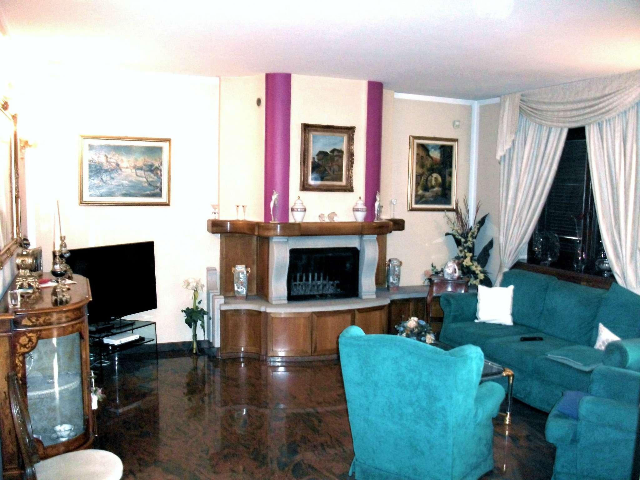 Appartamento in vendita a Nichelino, 4 locali, prezzo € 210.000   CambioCasa.it