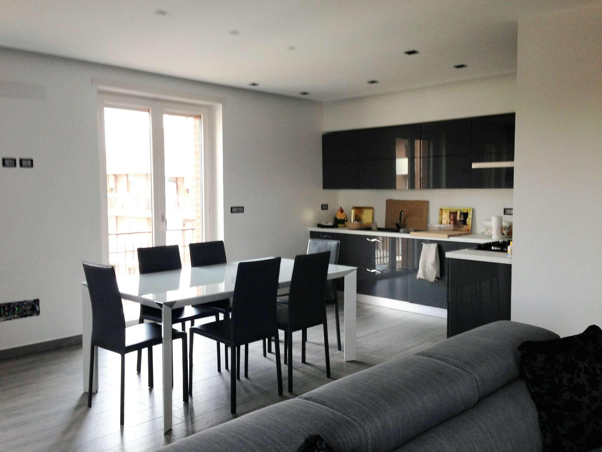 Appartamento in vendita a Vinovo, 4 locali, prezzo € 120.000   CambioCasa.it