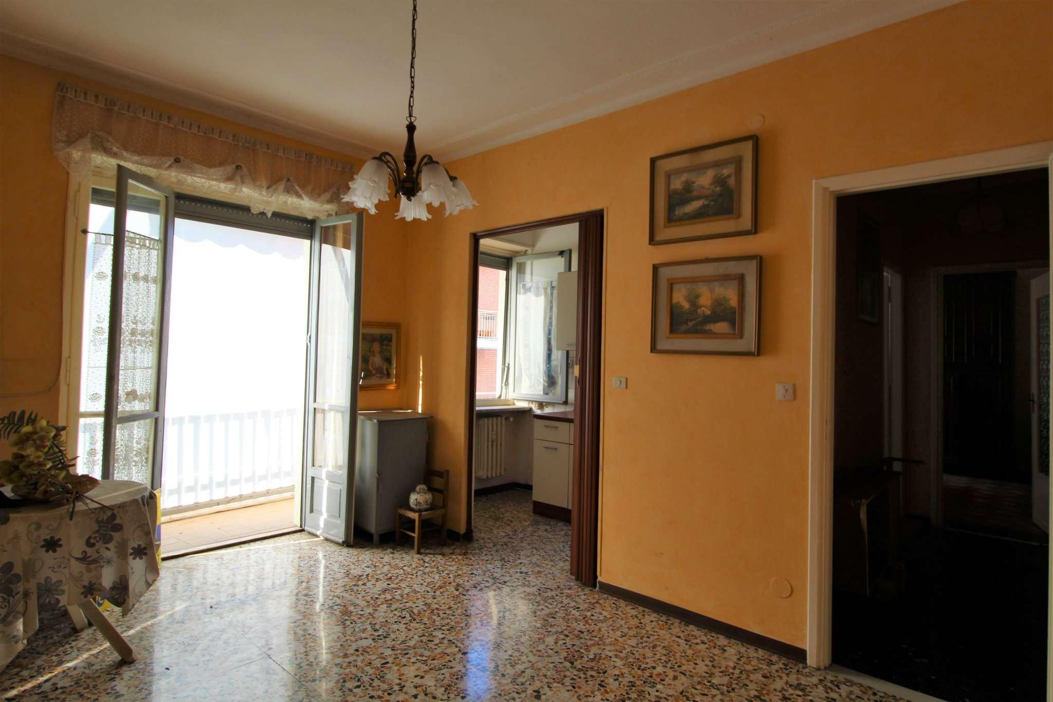 Appartamento in vendita a None, 2 locali, prezzo € 39.000 | CambioCasa.it