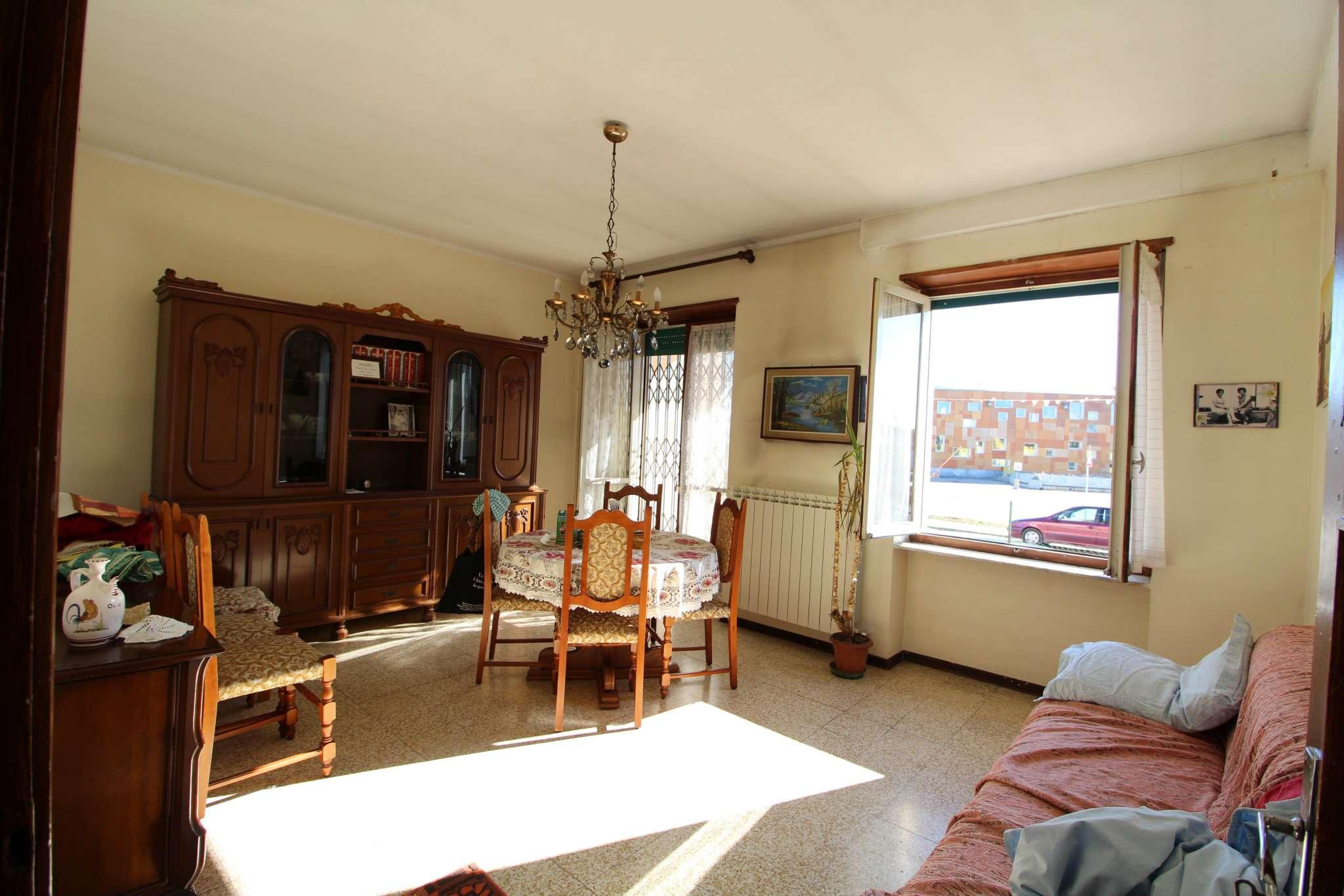 Appartamento in vendita a Piobesi Torinese, 5 locali, prezzo € 110.000 | CambioCasa.it